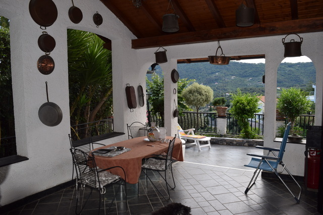 Villa vista mare nella prima collina di Alassio 5V13
