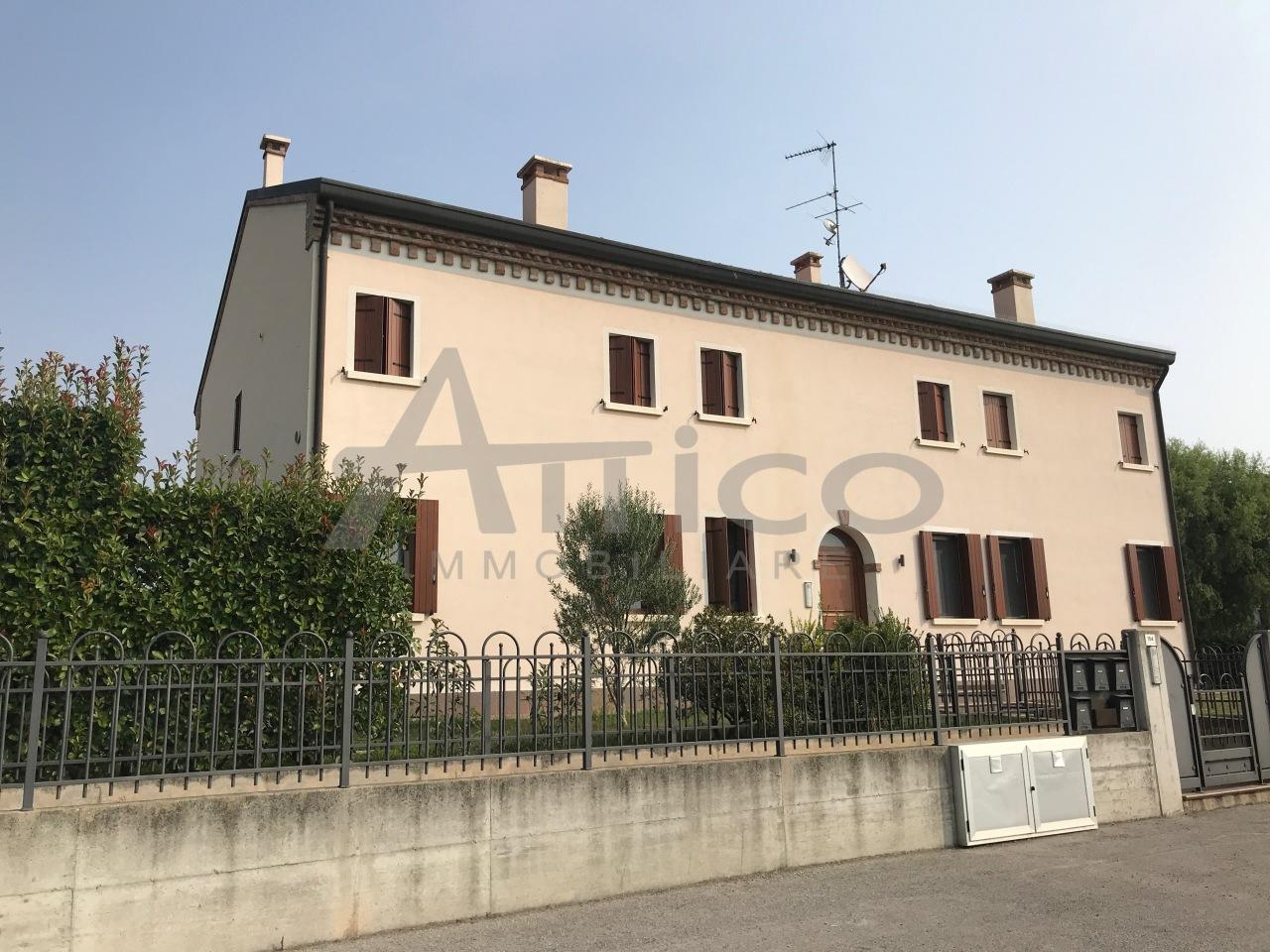 Appartamento - Piano Ultimo a Pontecchio Polesine