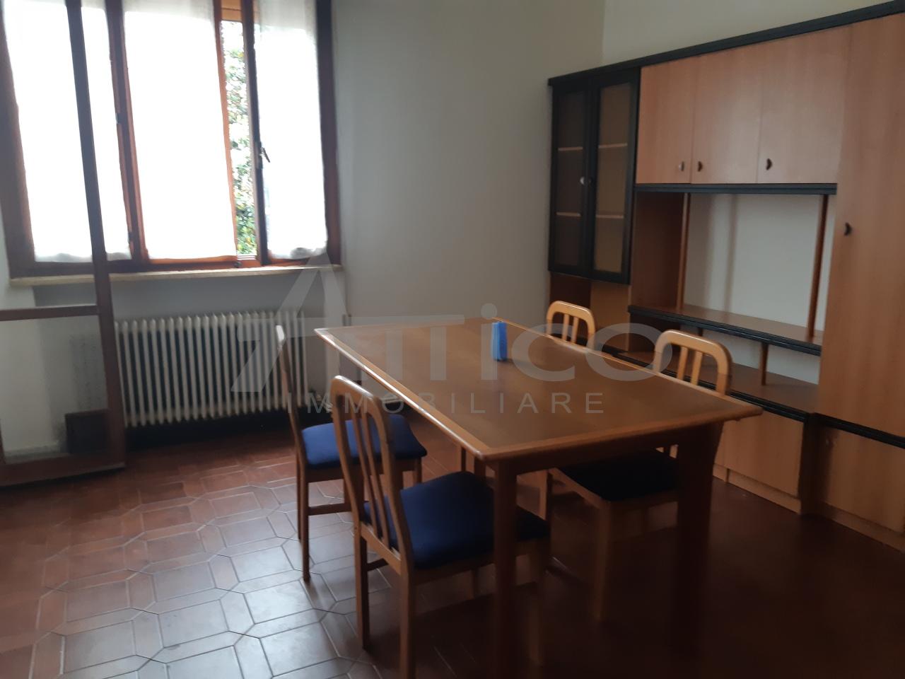 Appartamento in vendita a Rovigo, 5 locali, prezzo € 69.000 | CambioCasa.it