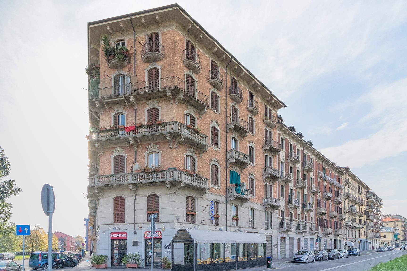Torino, zona Aurora. Ampio e panoramico quadrilocale
