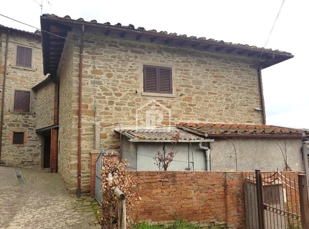 Porzione di casa in discrete condizioni in vendita Rif. 10254038