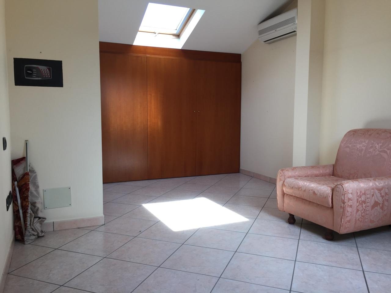 Appartamento - Mansarda a Centro, Tremestieri Etneo