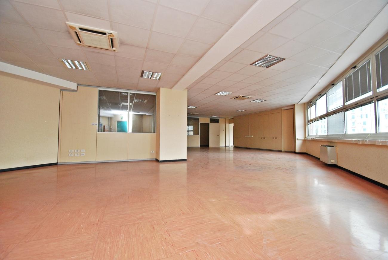Affitto Ufficio A Genova : Rif ufficio in affitto a genova sampierdarena