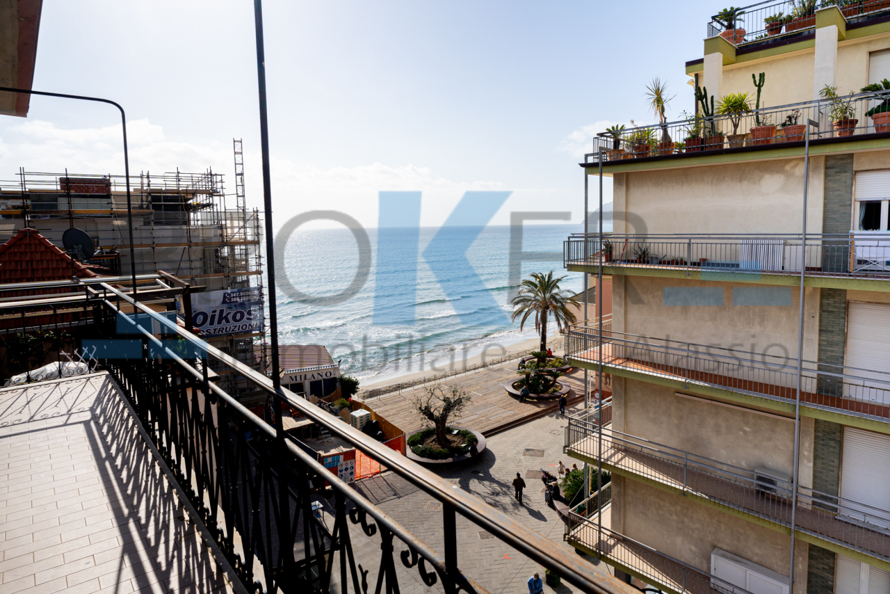 Appartamento in vendita a Alassio, 4 locali, Trattative riservate | PortaleAgenzieImmobiliari.it