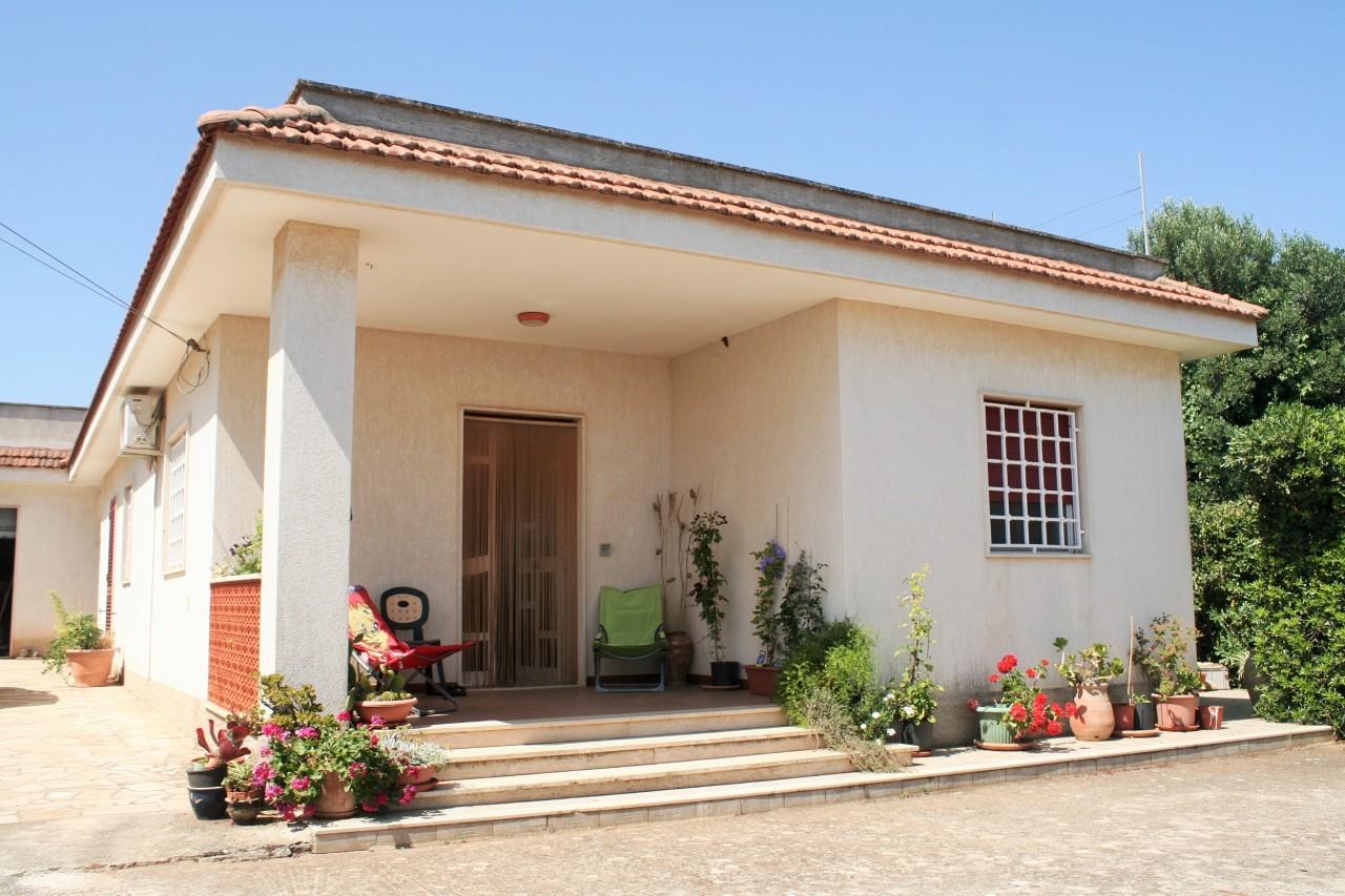 Villa da ristrutturare in vendita Rif. 10471531