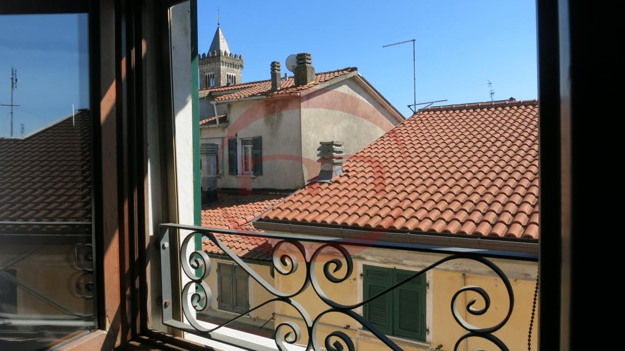 Attico / Mansarda in vendita a Sarzana, 4 locali, prezzo € 160.000 | PortaleAgenzieImmobiliari.it
