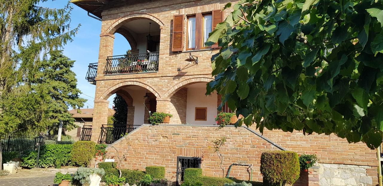 Semindipendente - Porzione di casa a Porto, Castiglione del Lago