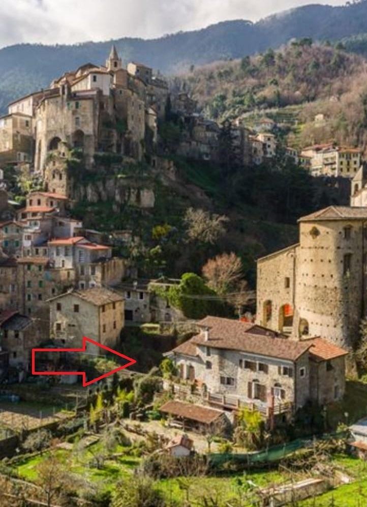 Rustico / Casale in vendita a Ceriana, 18 locali, prezzo € 530.000   PortaleAgenzieImmobiliari.it