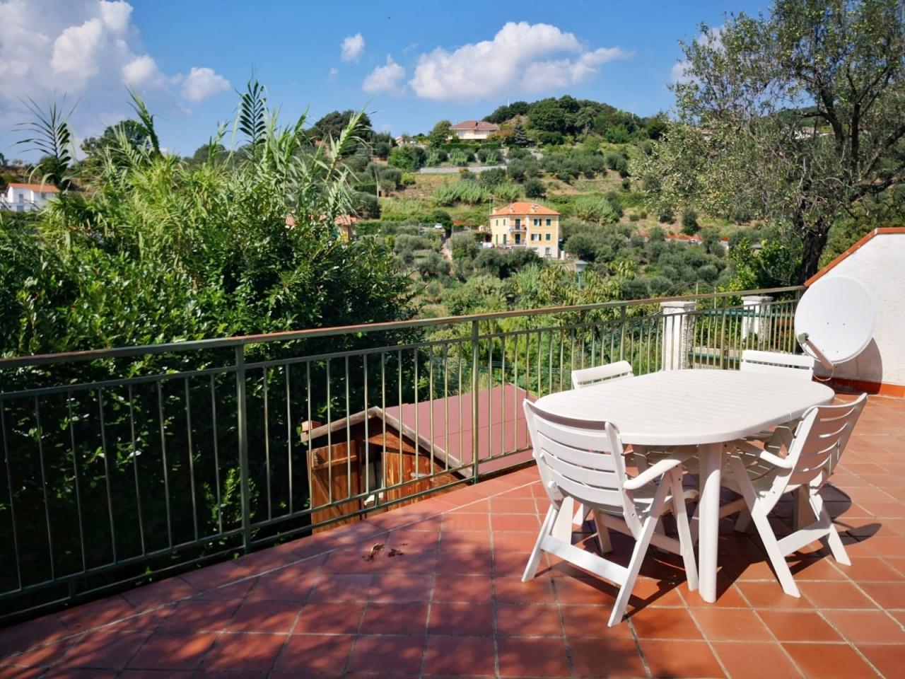 Villa a Schiera in vendita a Celle Ligure, 4 locali, prezzo € 349.000 | PortaleAgenzieImmobiliari.it