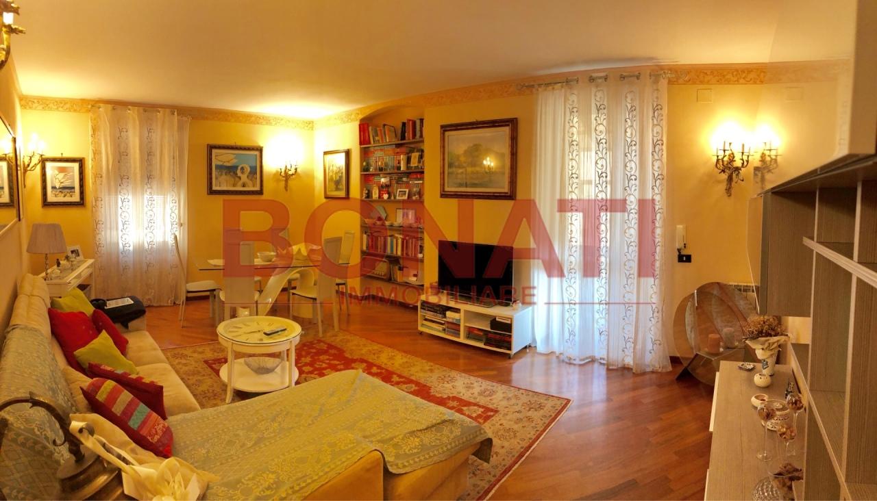 Appartamento in ottime condizioni in vendita Rif. 10040742