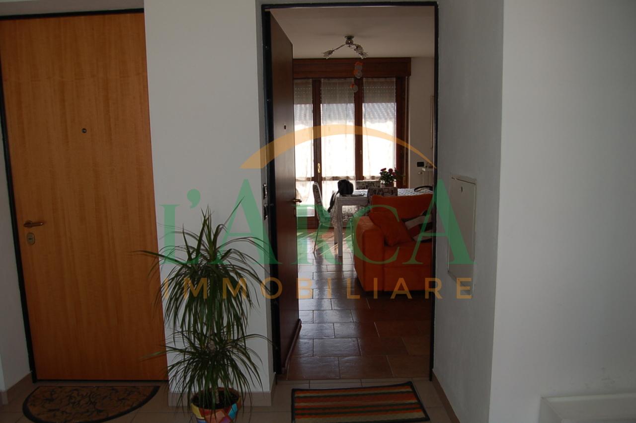 Appartamento in buone condizioni in vendita Rif. 10048988