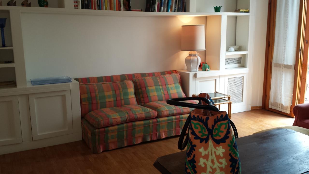 Appartamento in buone condizioni arredato in affitto Rif. 8828265