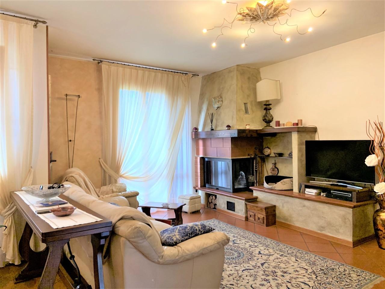 Villetta a schiera in ottime condizioni in vendita Rif. 11371044