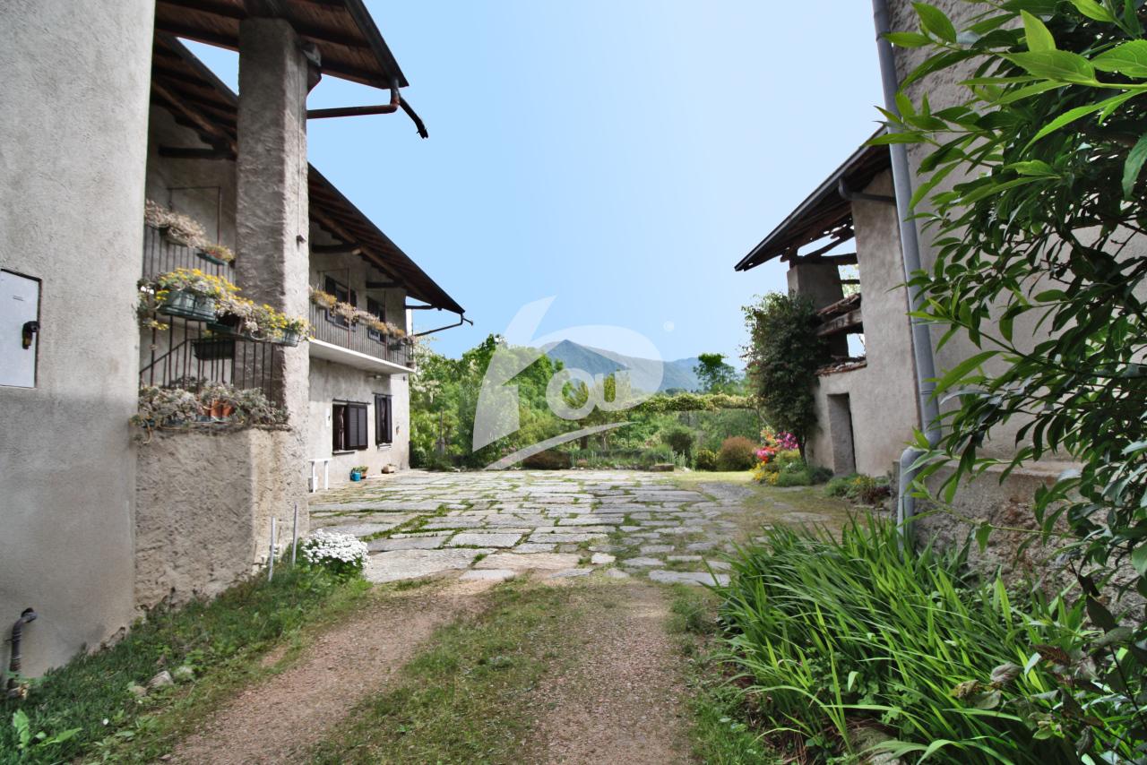Rustico / Casale in vendita a Leggiuno, 7 locali, prezzo € 165.000 | PortaleAgenzieImmobiliari.it