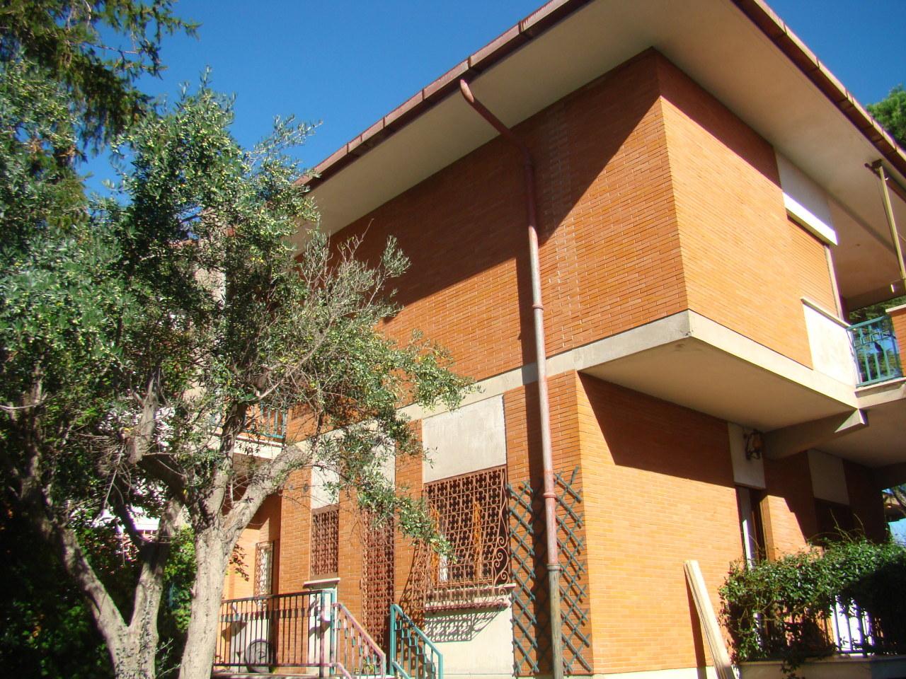 Villa in discrete condizioni in vendita Rif. 11266790