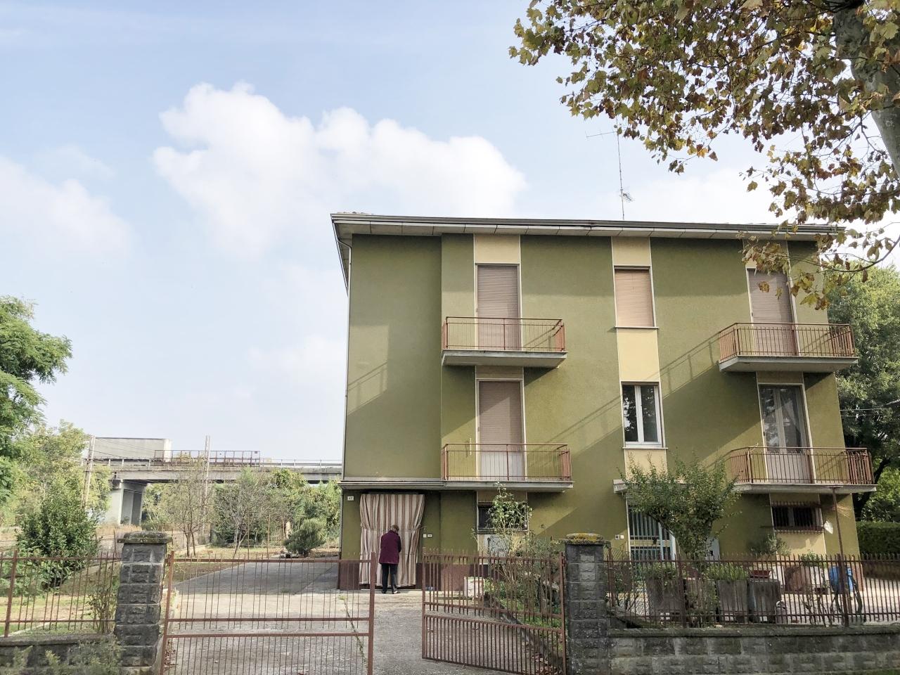 Soluzione Indipendente in vendita a Sant'Ilario d'Enza, 5 locali, prezzo € 119.000 | PortaleAgenzieImmobiliari.it