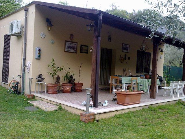 Rustico / Casale in buone condizioni in vendita Rif. 10175064
