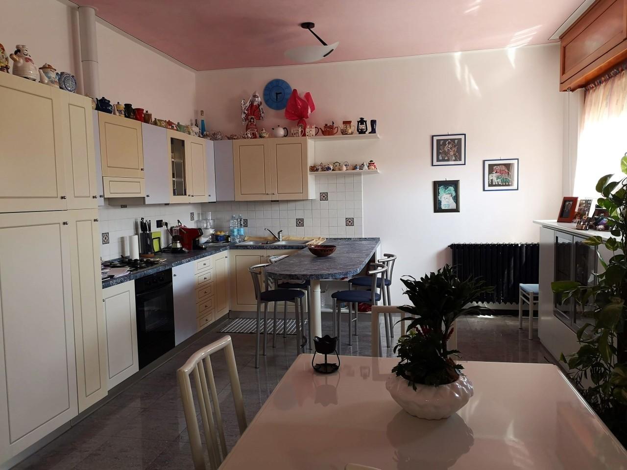 Villetta a schiera in buone condizioni in vendita Rif. 10085244