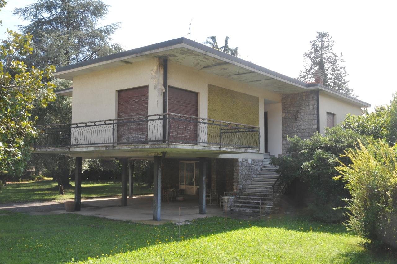 Villa in vendita a Villanuova sul Clisi, 9 locali, prezzo € 350.000   PortaleAgenzieImmobiliari.it