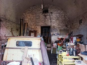 Immagine di Capannone / Fondo Magazzino In Vendita Taggia (IM)  non disponibile