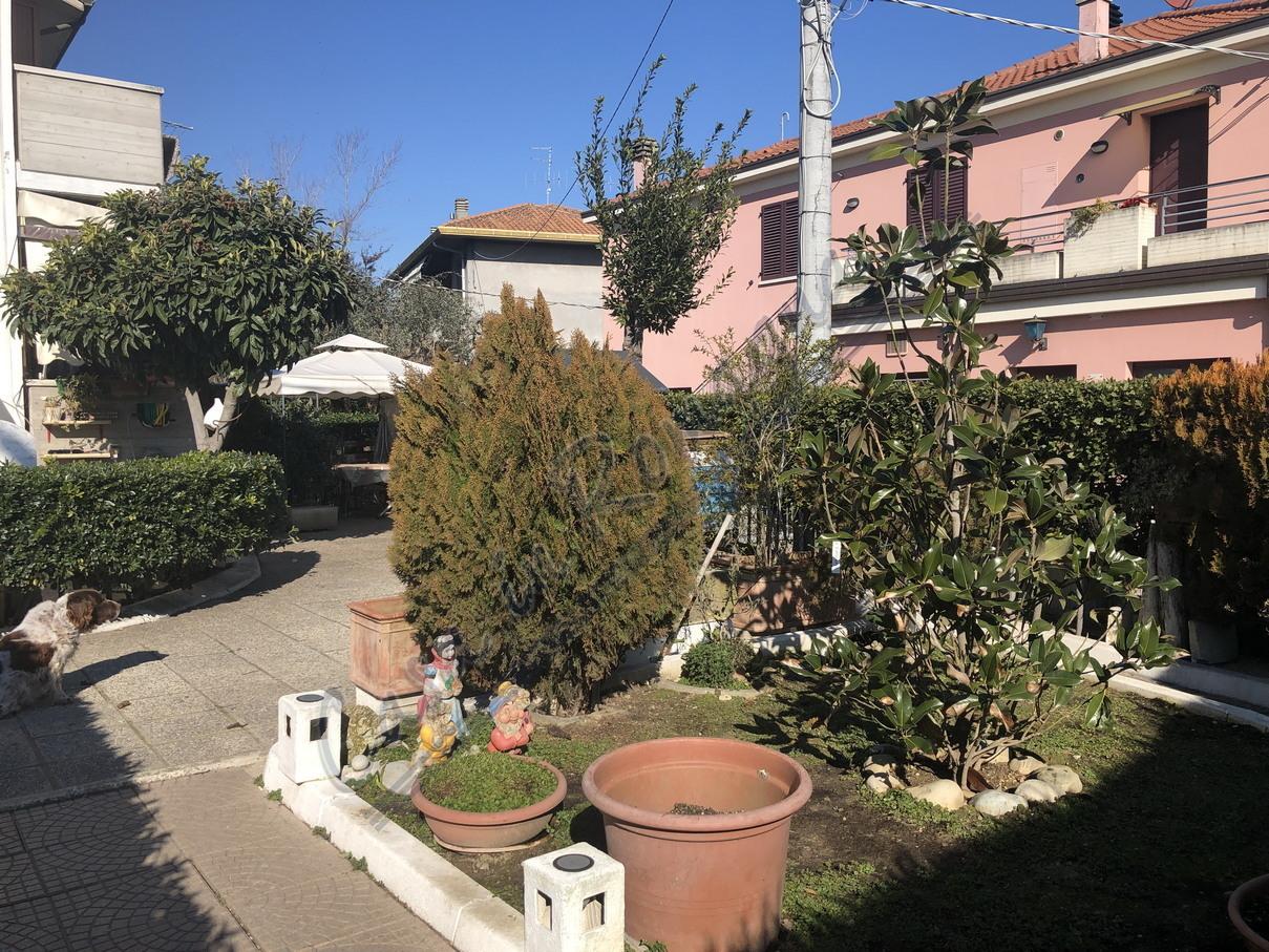 Villetta a schiera in buone condizioni in vendita Rif. 10244794