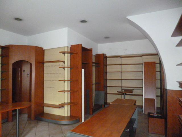 Locale commerciale - 2 Vetrine a Ragusa Rif. 9517315