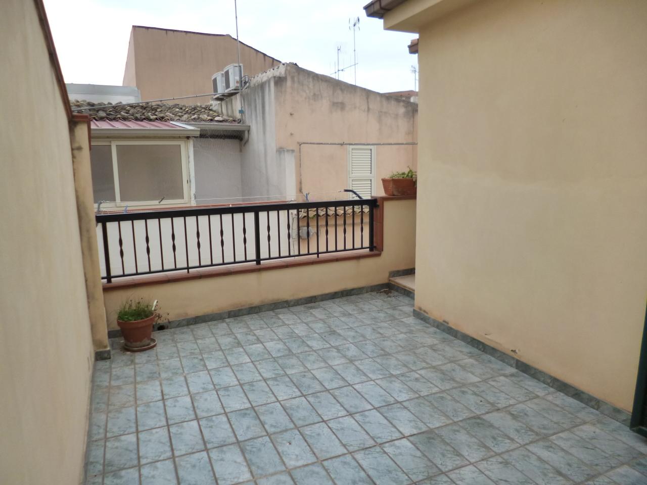 Casa Indipendente in ottime condizioni arredato in affitto Rif. 10326075