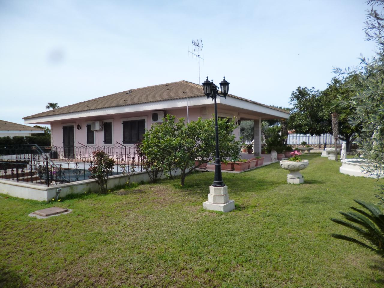 Villa in ottime condizioni arredato in vendita Rif. 10254011