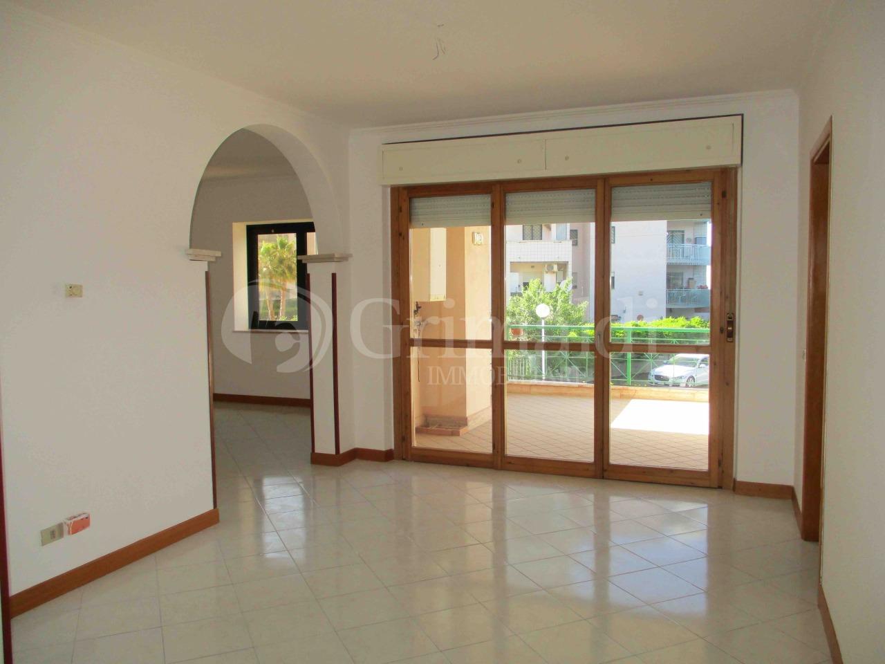 Appartamento in ottime condizioni in affitto Rif. 11131879
