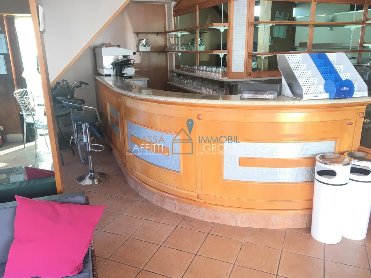 Locale commerciale - 3 Vetrine a Marina Di Carrara, Carrara Rif. 9191311
