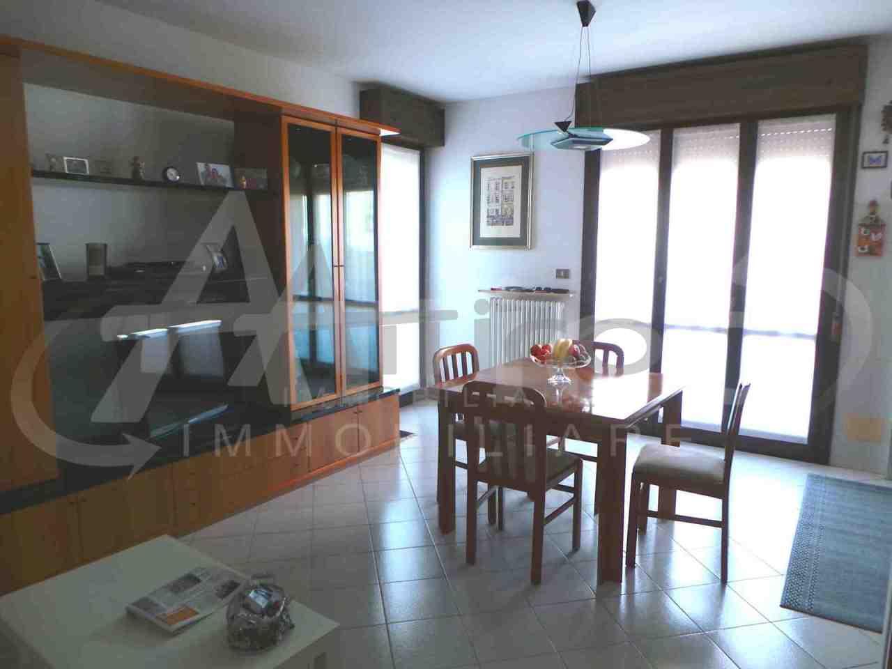 Appartamento in vendita a Rovigo, 4 locali, prezzo € 95.000 | PortaleAgenzieImmobiliari.it
