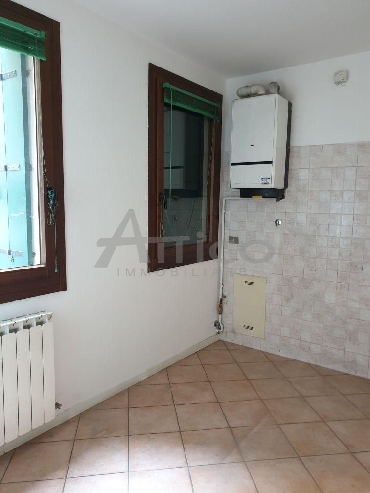 Appartamento - Piano Terra a Centro città, Rovigo
