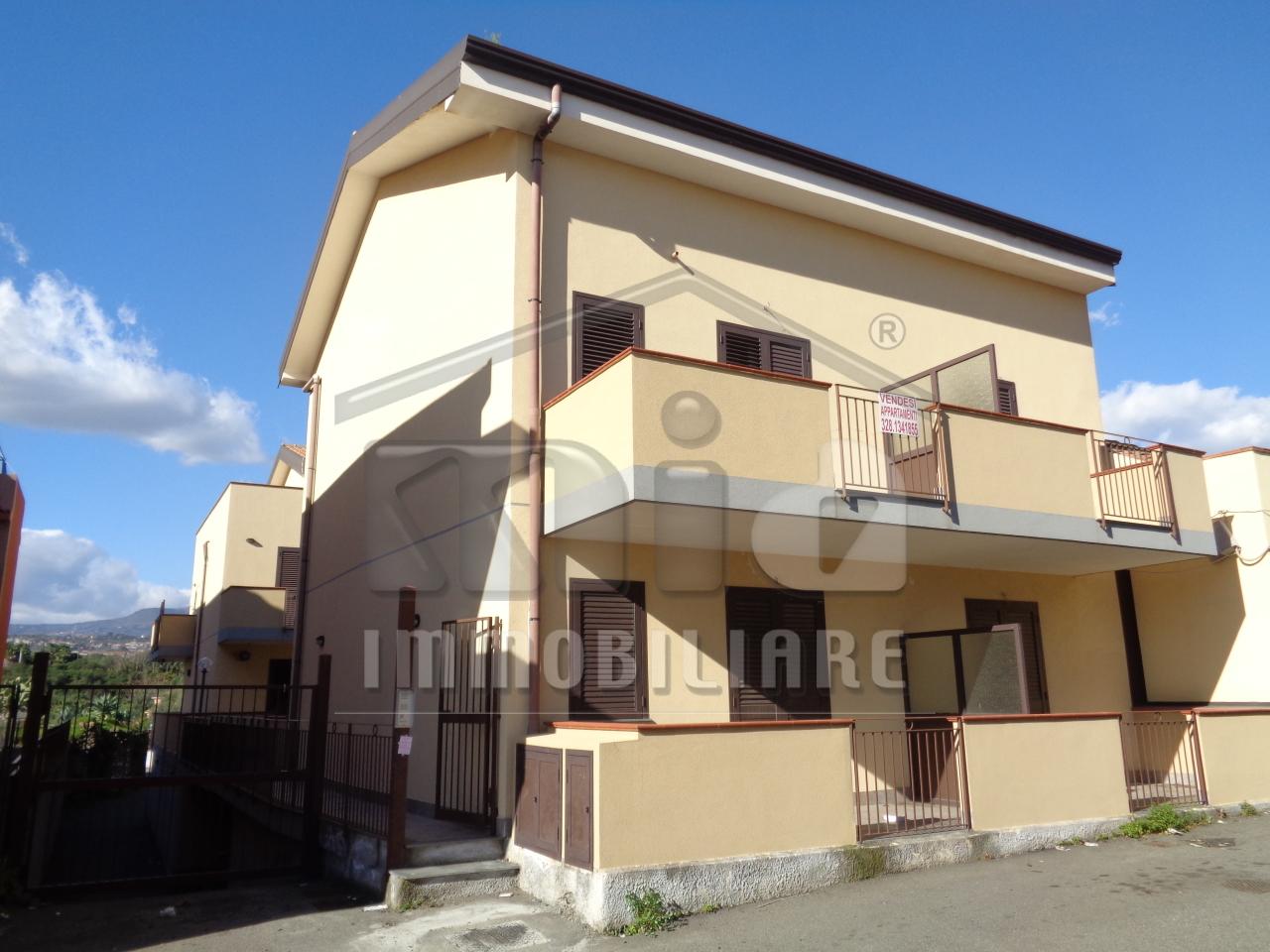 Appartamento a Capomulini, Acireale