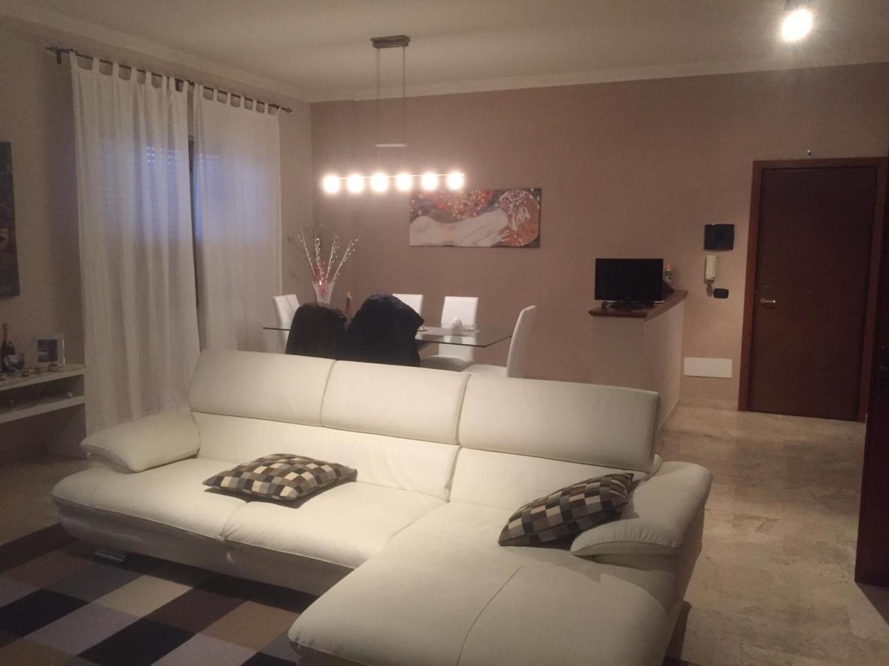 Appartamento in ottime condizioni in vendita Rif. 9811332