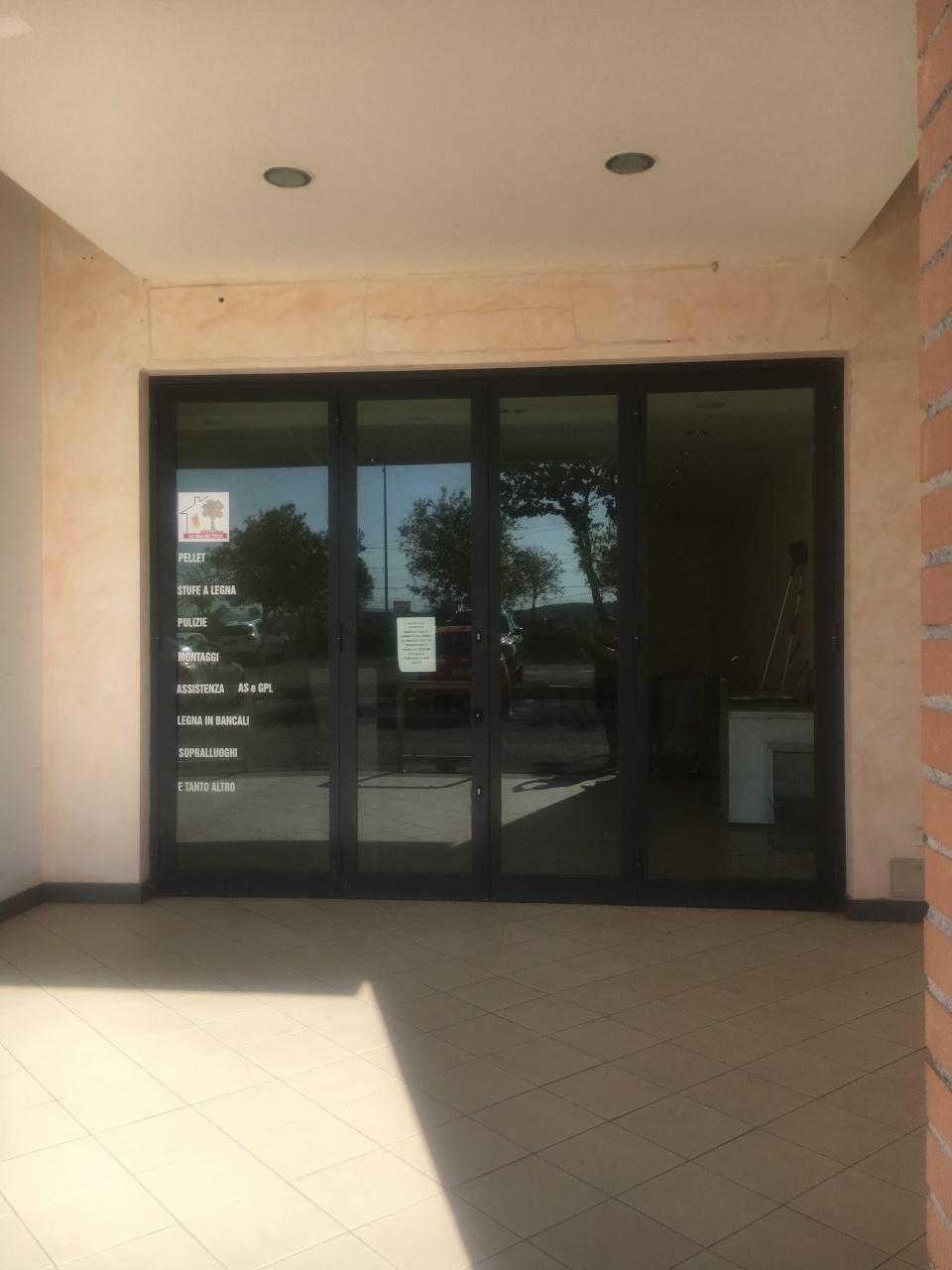 Locale commerciale - 2 Vetrine a Rignano Flaminio Rif. 11100775