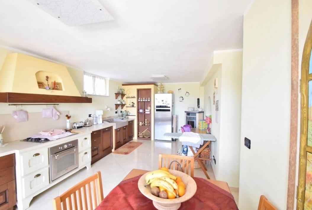 Villa a Schiera in vendita a Toirano, 4 locali, prezzo € 275.000   PortaleAgenzieImmobiliari.it