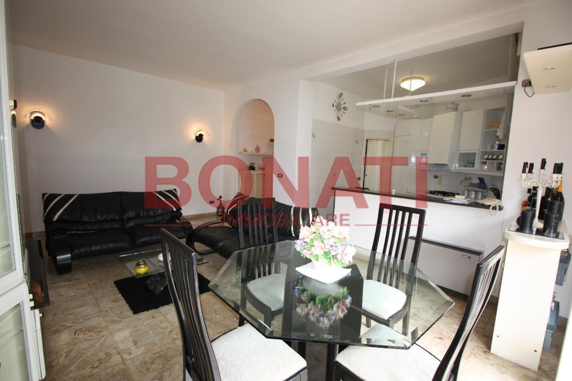Appartamento da ristrutturare in vendita Rif. 8150523