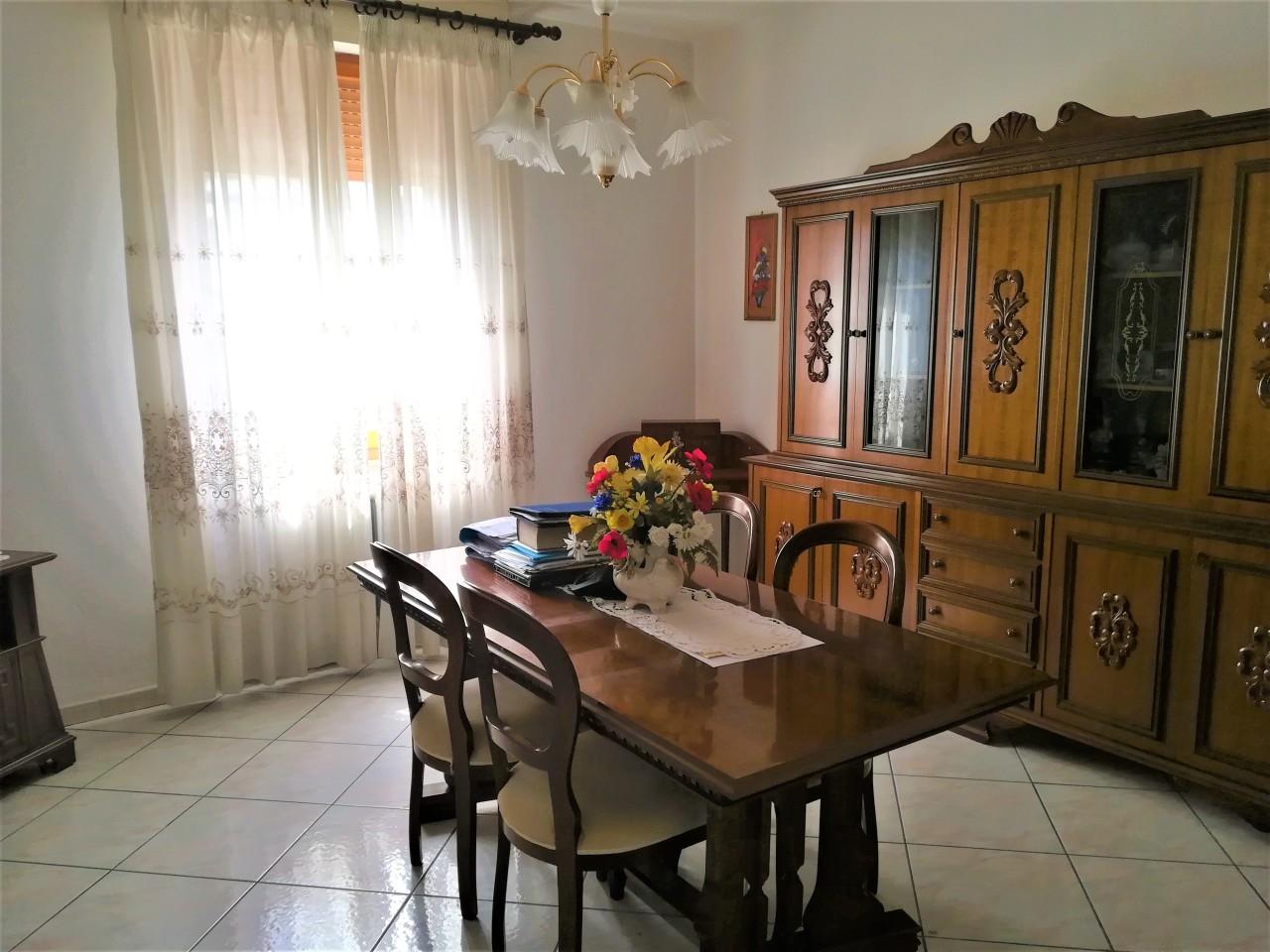 Quadrilocale in buone condizioni in vendita Rif. 10404292