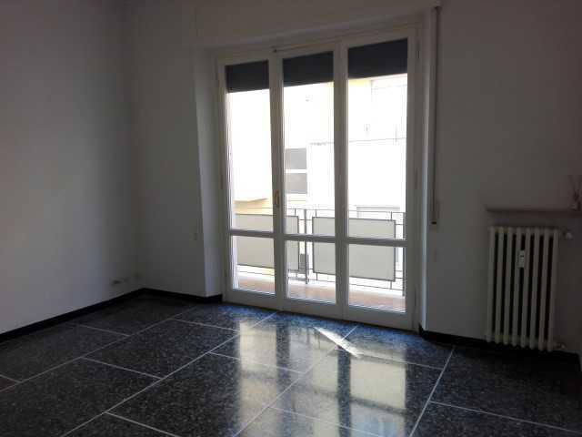 Appartamento in buone condizioni in affitto Rif. 8947913