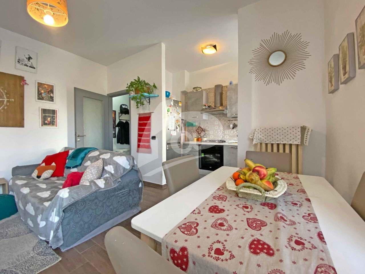 Appartamento in vendita a Leggiuno, 2 locali, prezzo € 62.000 | PortaleAgenzieImmobiliari.it