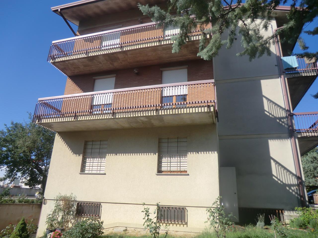 Appartamento in buone condizioni in vendita Rif. 4158865