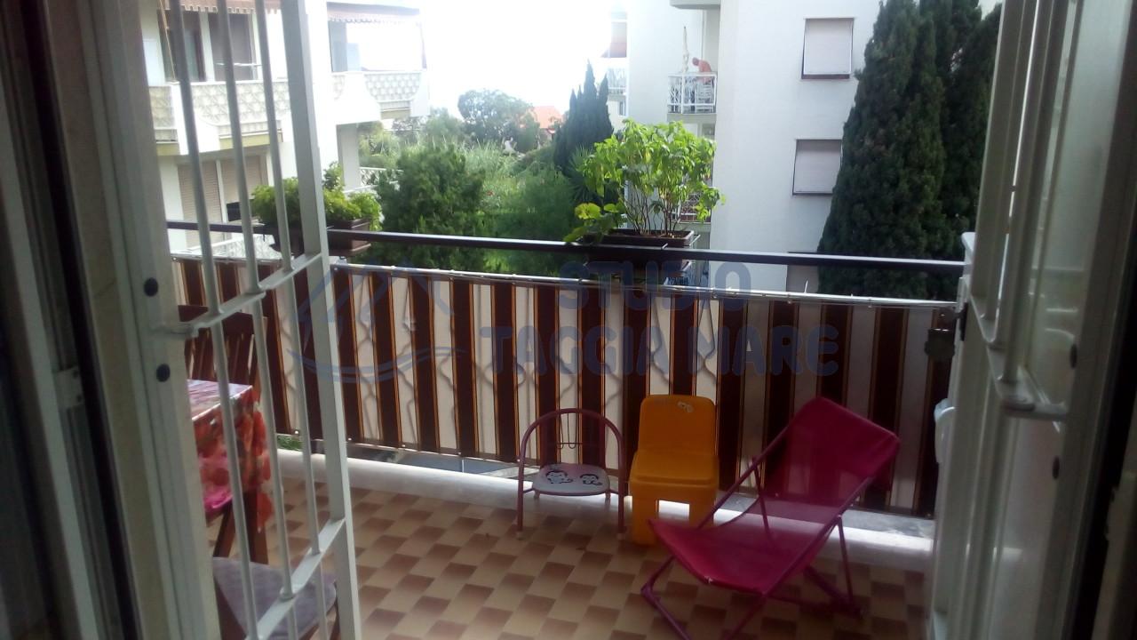 Appartamento in vendita a Santo Stefano al Mare, 2 locali, prezzo € 190.000   CambioCasa.it