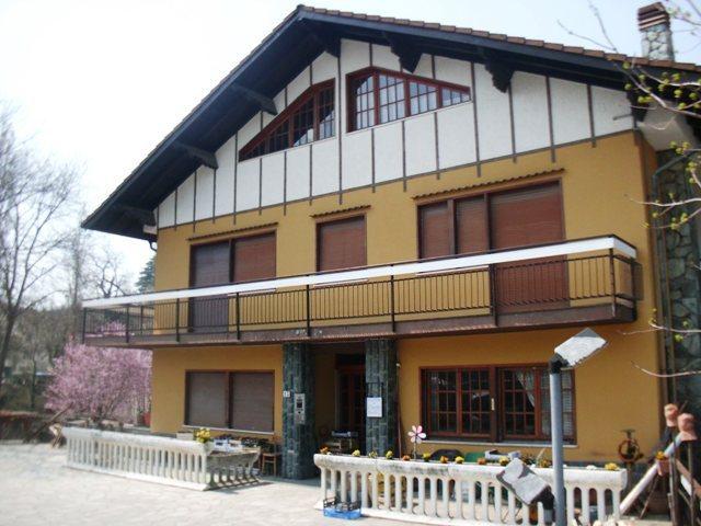 Appartamento in buone condizioni arredato in affitto Rif. 4165691
