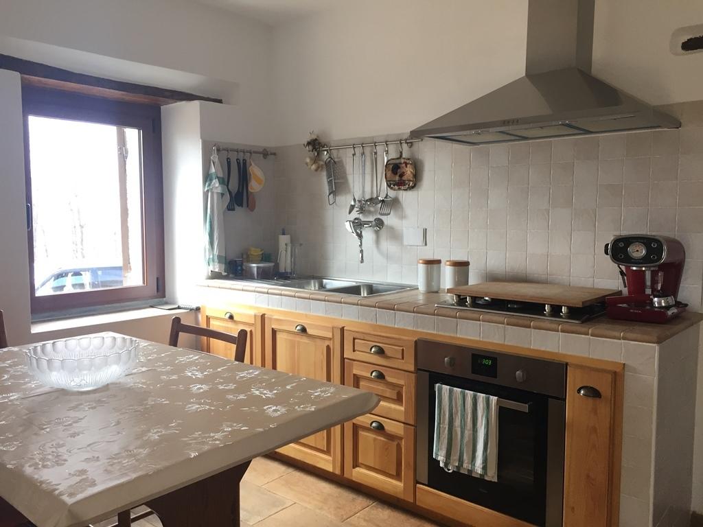 Rustico / Casale in vendita a Urbe, 7 locali, prezzo € 215.000 | PortaleAgenzieImmobiliari.it