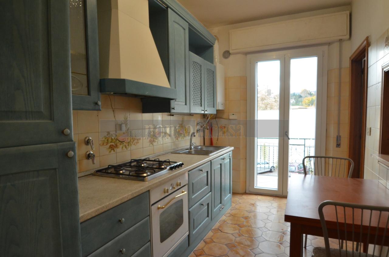 Appartamento in affitto a Deruta, 2 locali, prezzo € 380   CambioCasa.it