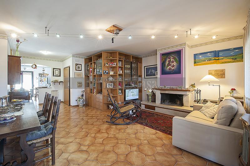 Appartamento in vendita a Deruta, 4 locali, prezzo € 107.000 | CambioCasa.it