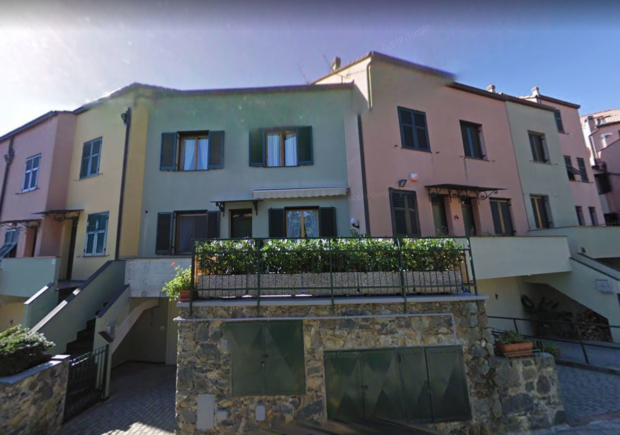 Villetta a schiera da ristrutturare in vendita Rif. 10477291