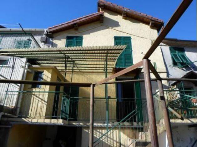 Casa Indipendente in discrete condizioni in vendita Rif. 10404213