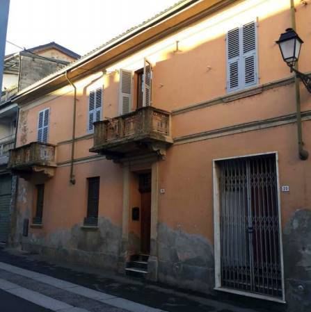 Porzione di casa da ristrutturare in vendita Rif. 11512087
