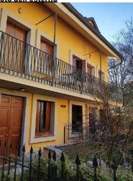 Villetta a schiera in buone condizioni in vendita Rif. 10985526